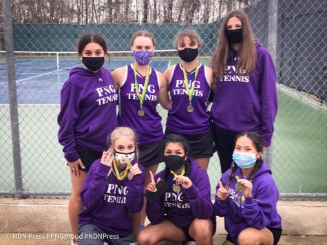 The girls varsity tennis teams after Friday's tournament at LC-M.